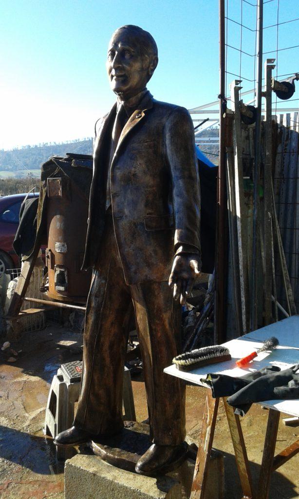 Lavorazione metallo Monumento Matteo Pellicone